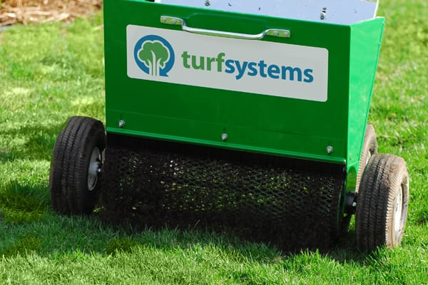 lawn top dressing machine